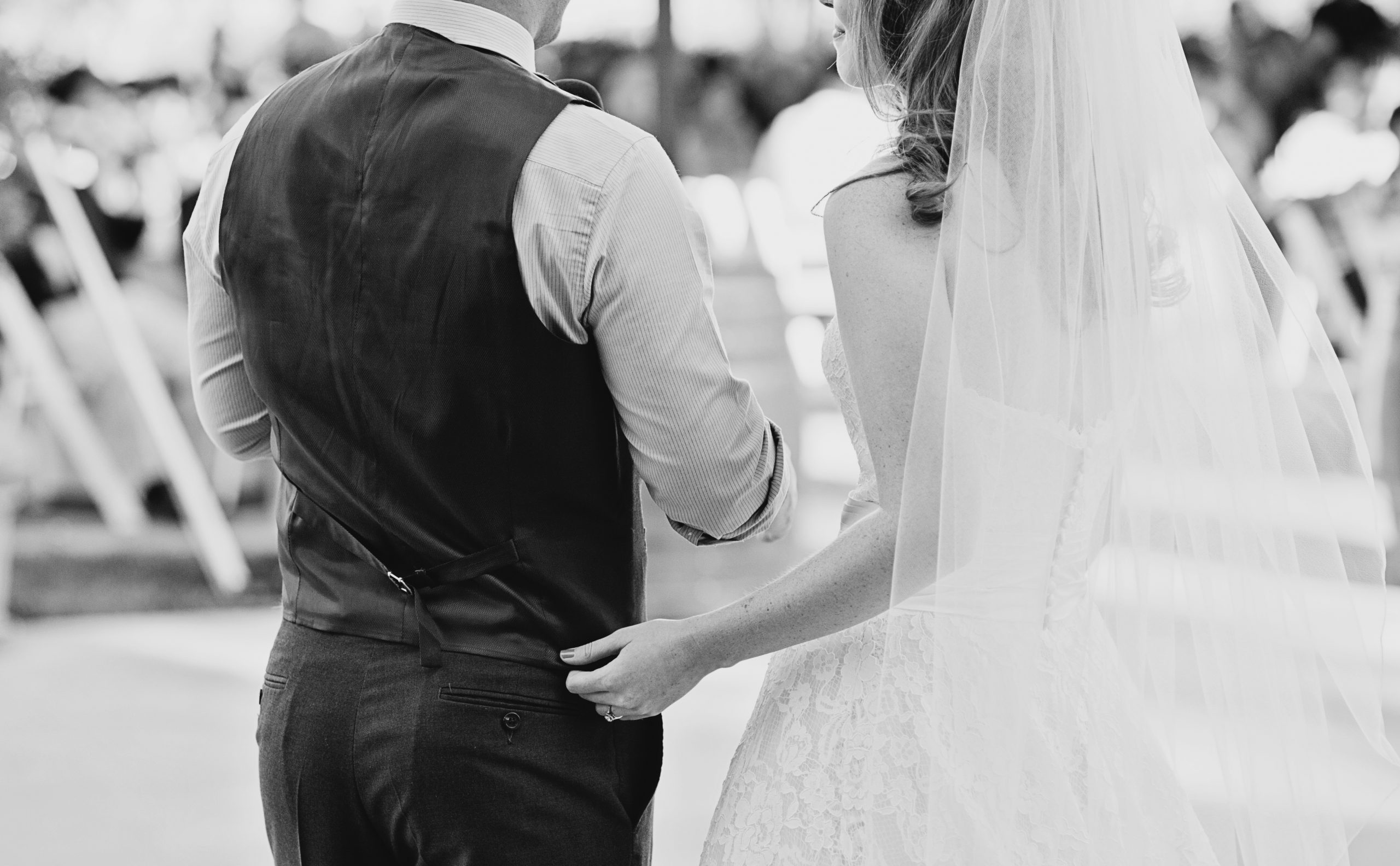 Traditional bride and groom - Black and white
